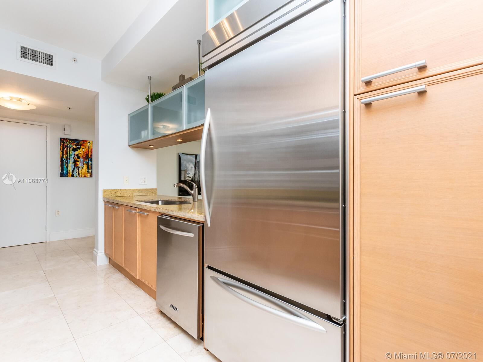 16275 Collins Ave #704 photo018