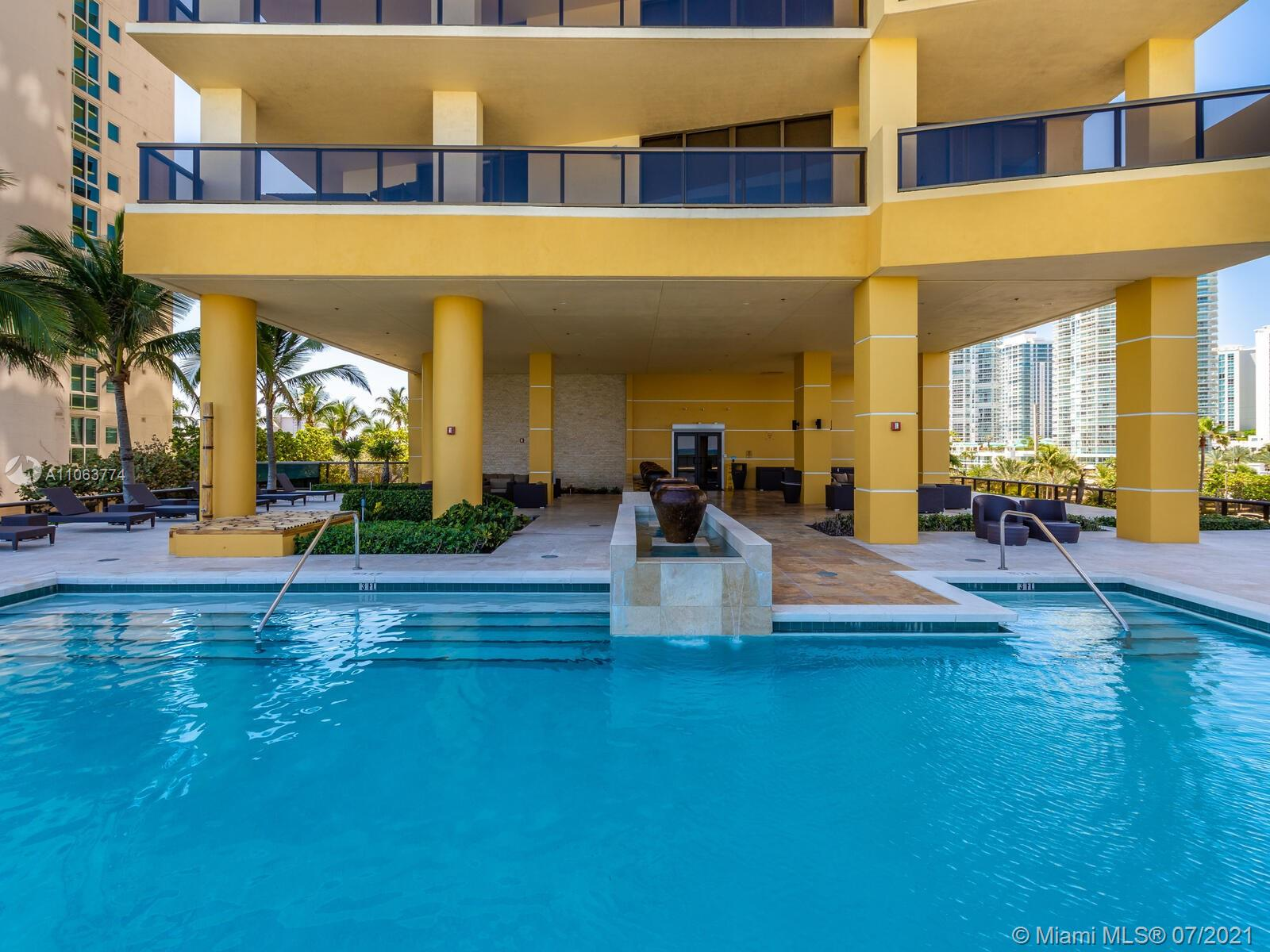 16275 Collins Ave #704 photo051