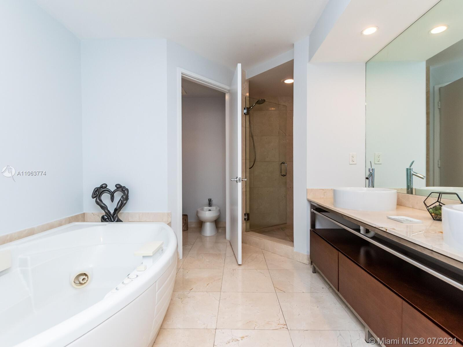 16275 Collins Ave #704 photo035