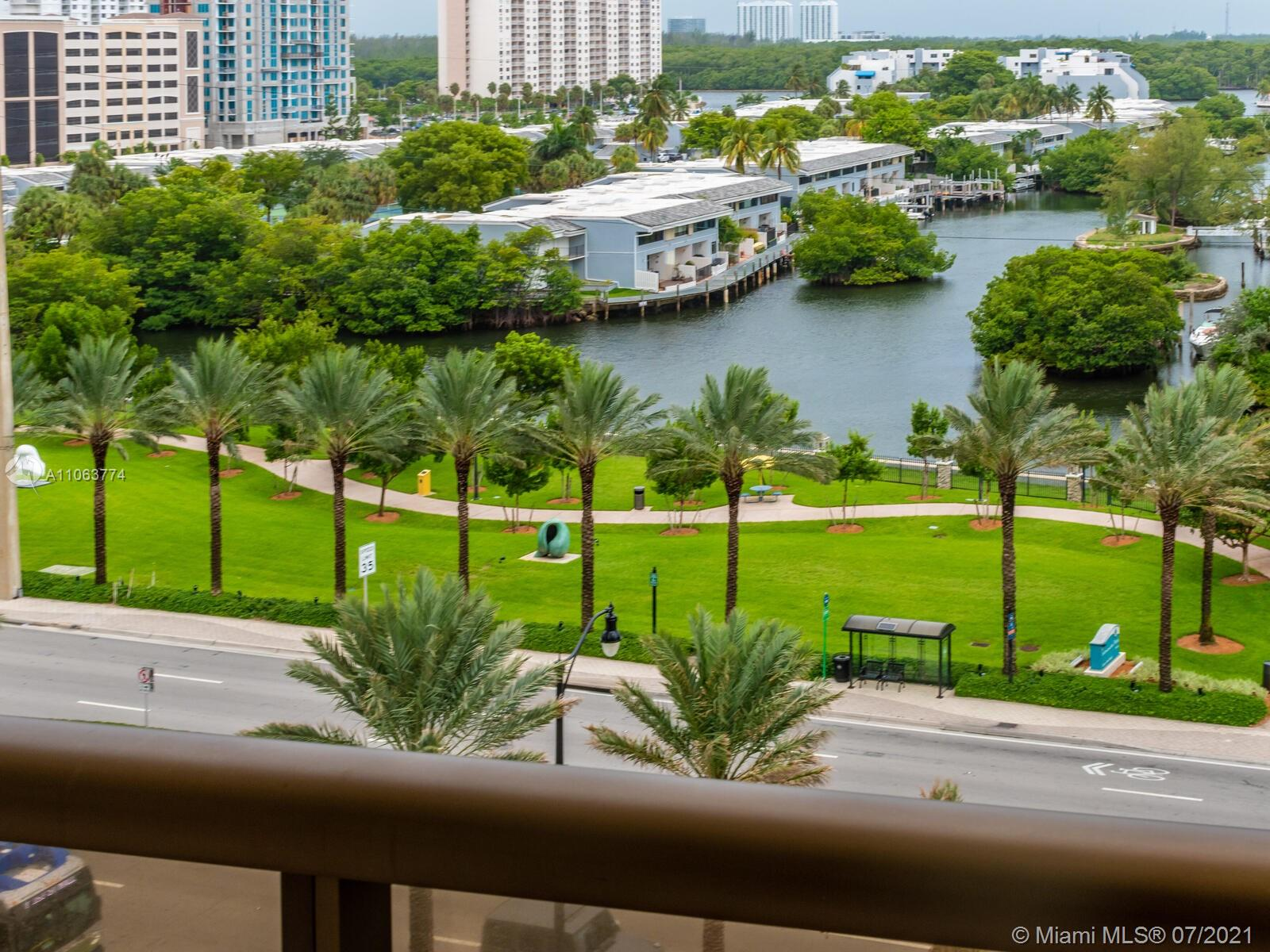 16275 Collins Ave #704 photo031