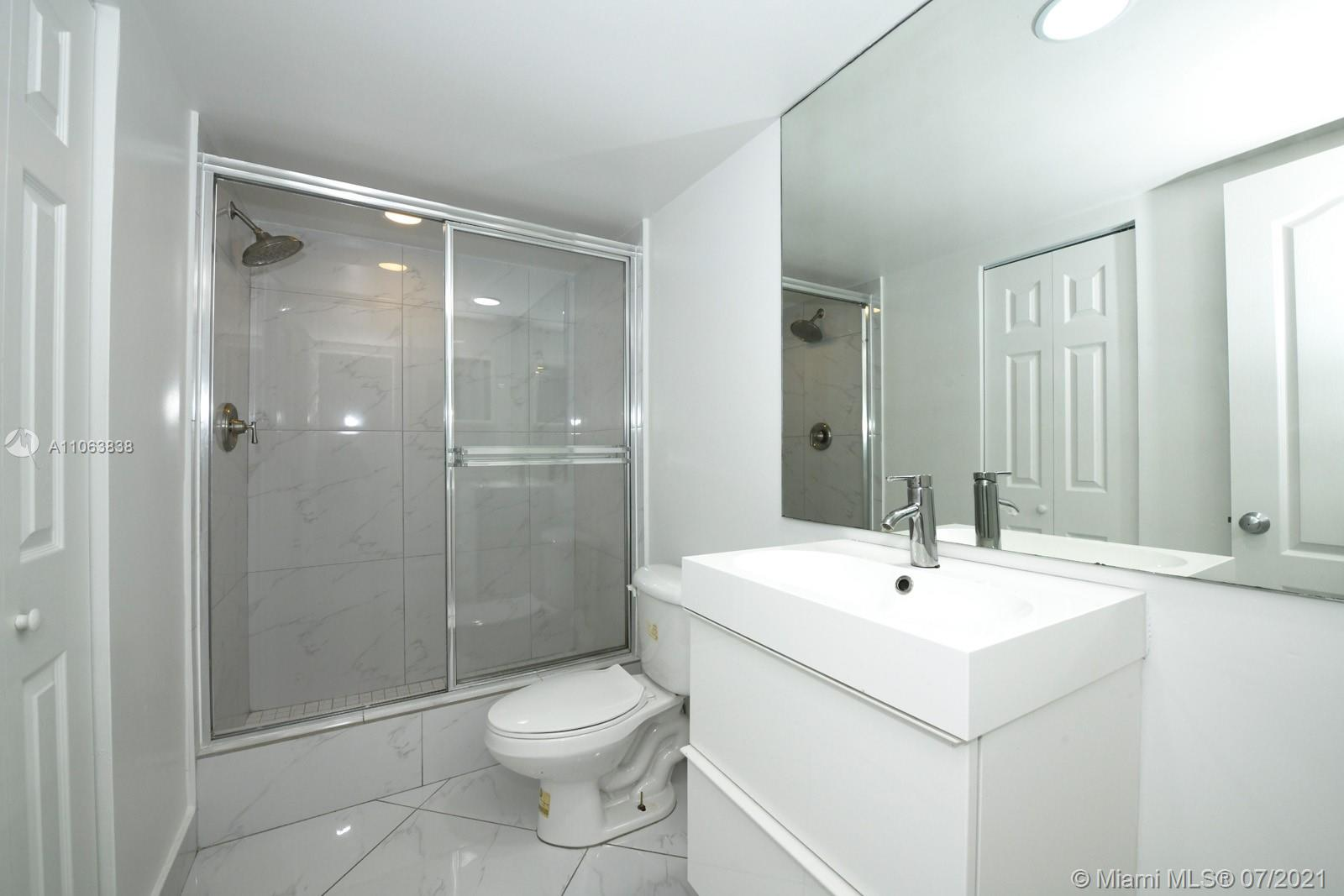5600 Collins Ave #14T photo013