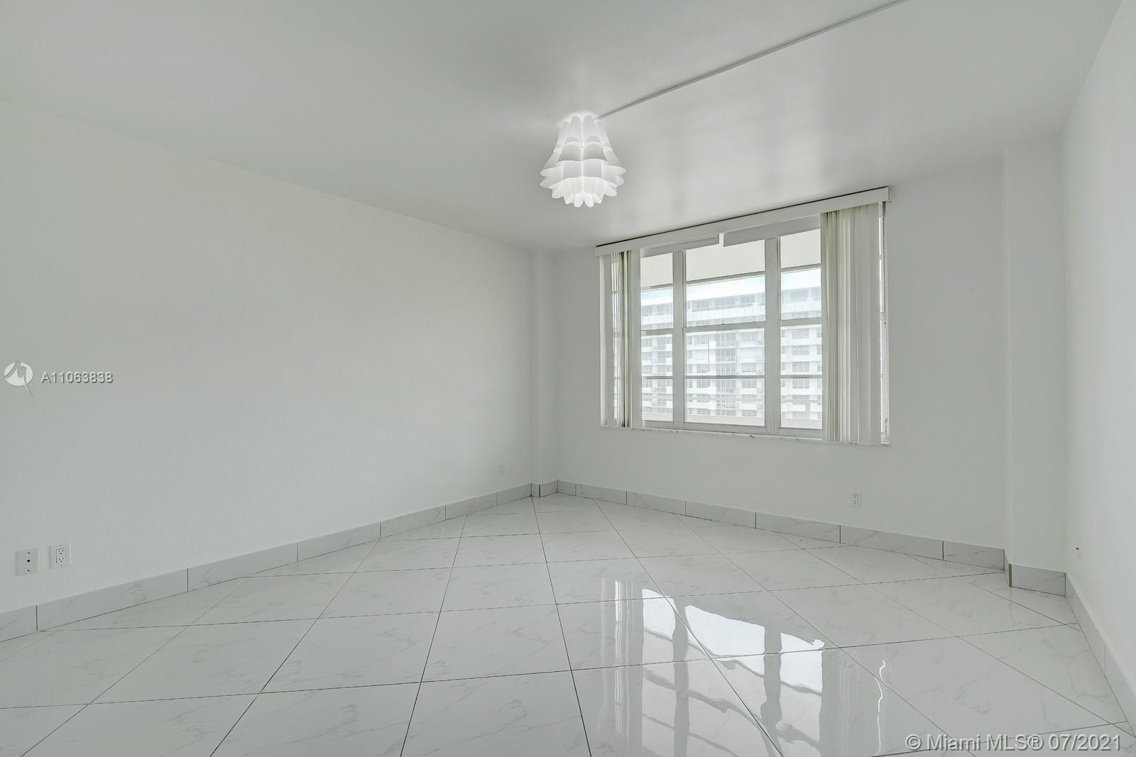 5600 Collins Ave #14T photo012