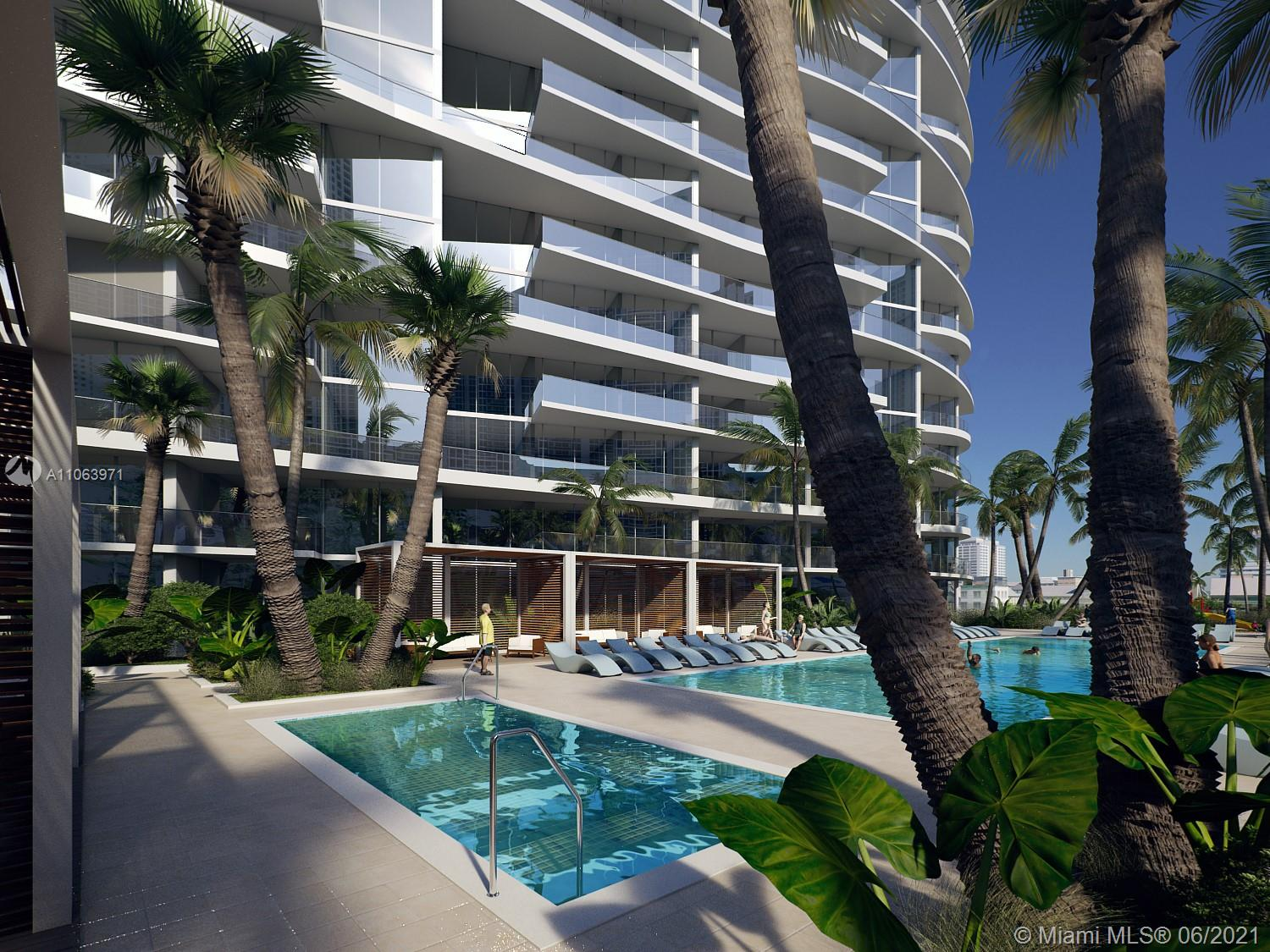 17550 Collins Ave #605 photo04