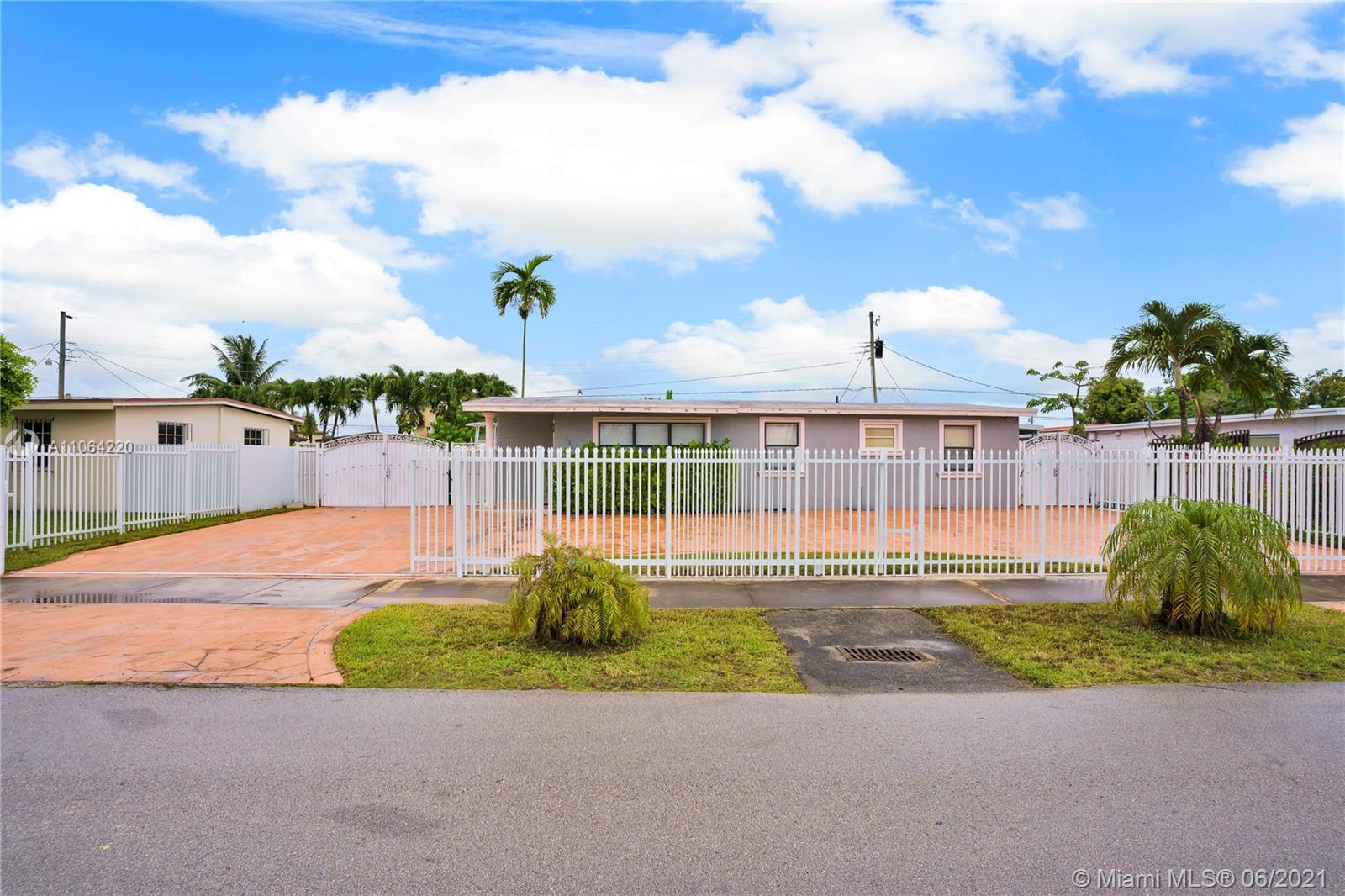 Westwood Lake - 5101 SW 116th Ave, Miami, FL 33165