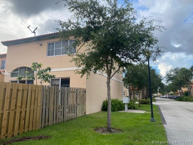 8366 NW 143rd Ter photo04