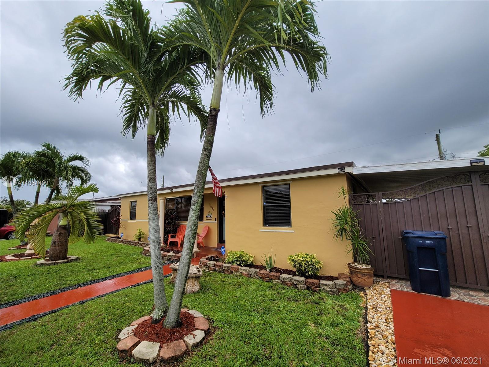 Westwood Lake - 11432 SW 42nd St, Miami, FL 33165