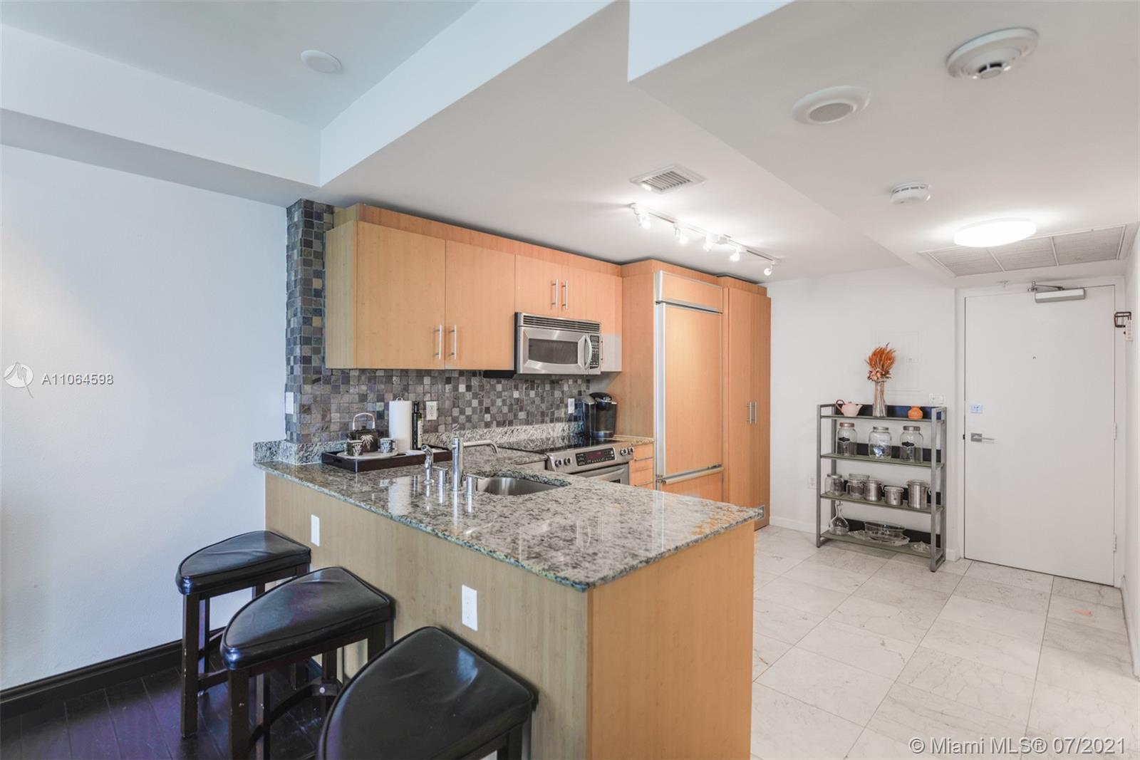 10275 Collins Ave #703 photo015