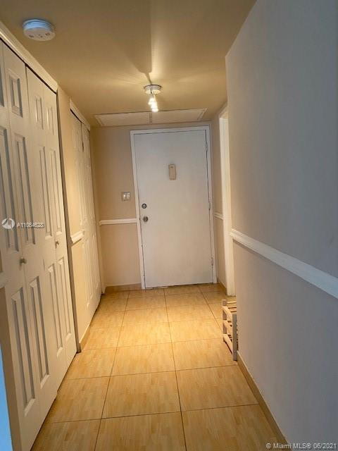 5401 Collins Ave #1014 photo02