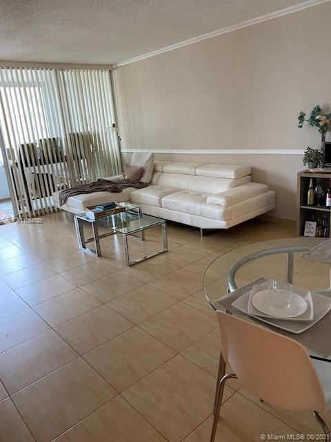 5401 Collins Ave #1014 photo07
