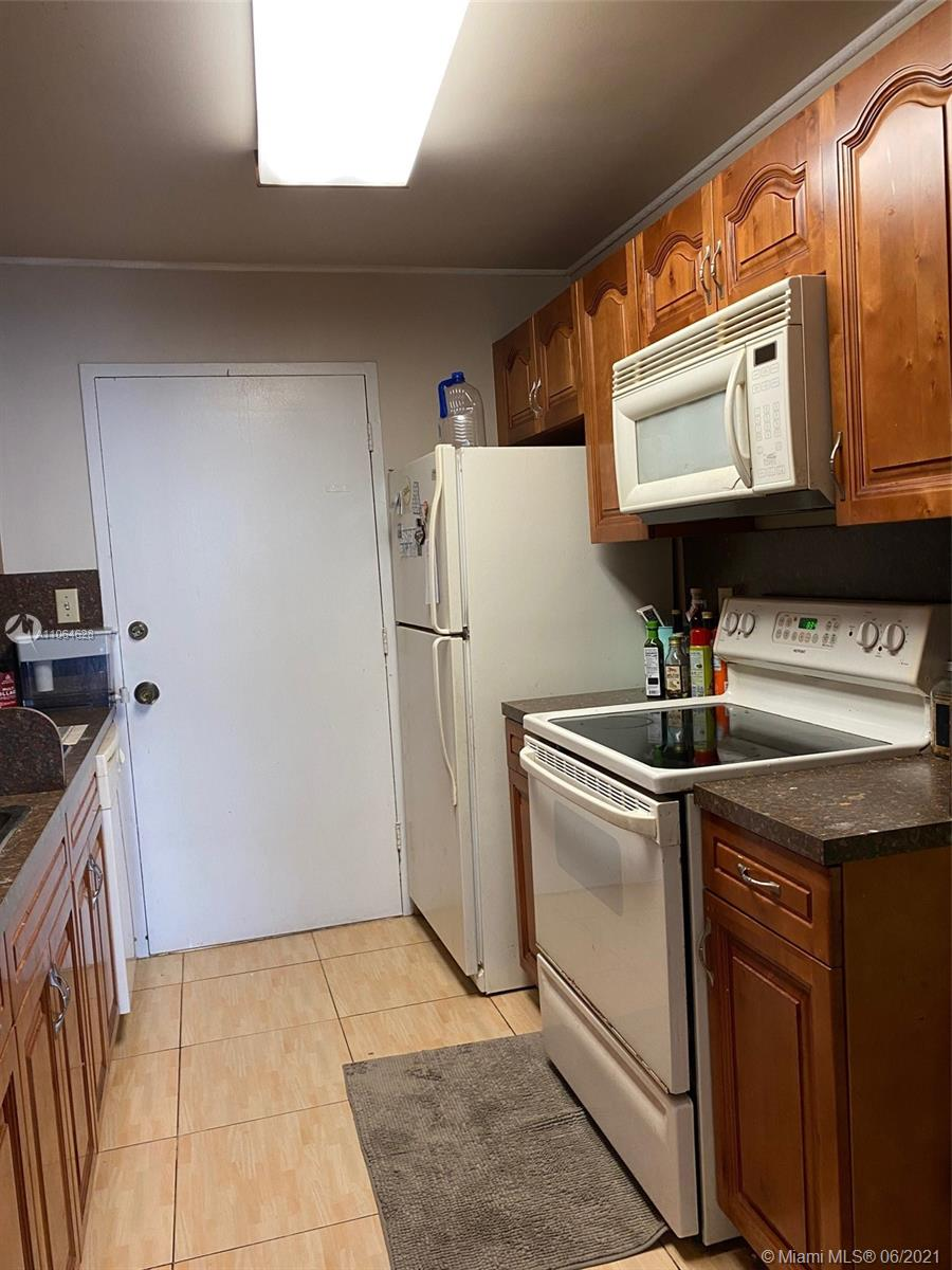 5401 Collins Ave #1014 photo020