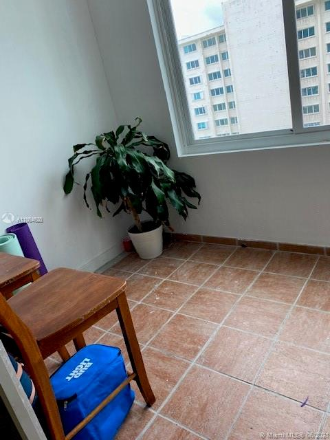 5401 Collins Ave #1014 photo09