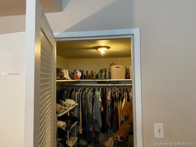 5401 Collins Ave #1014 photo018