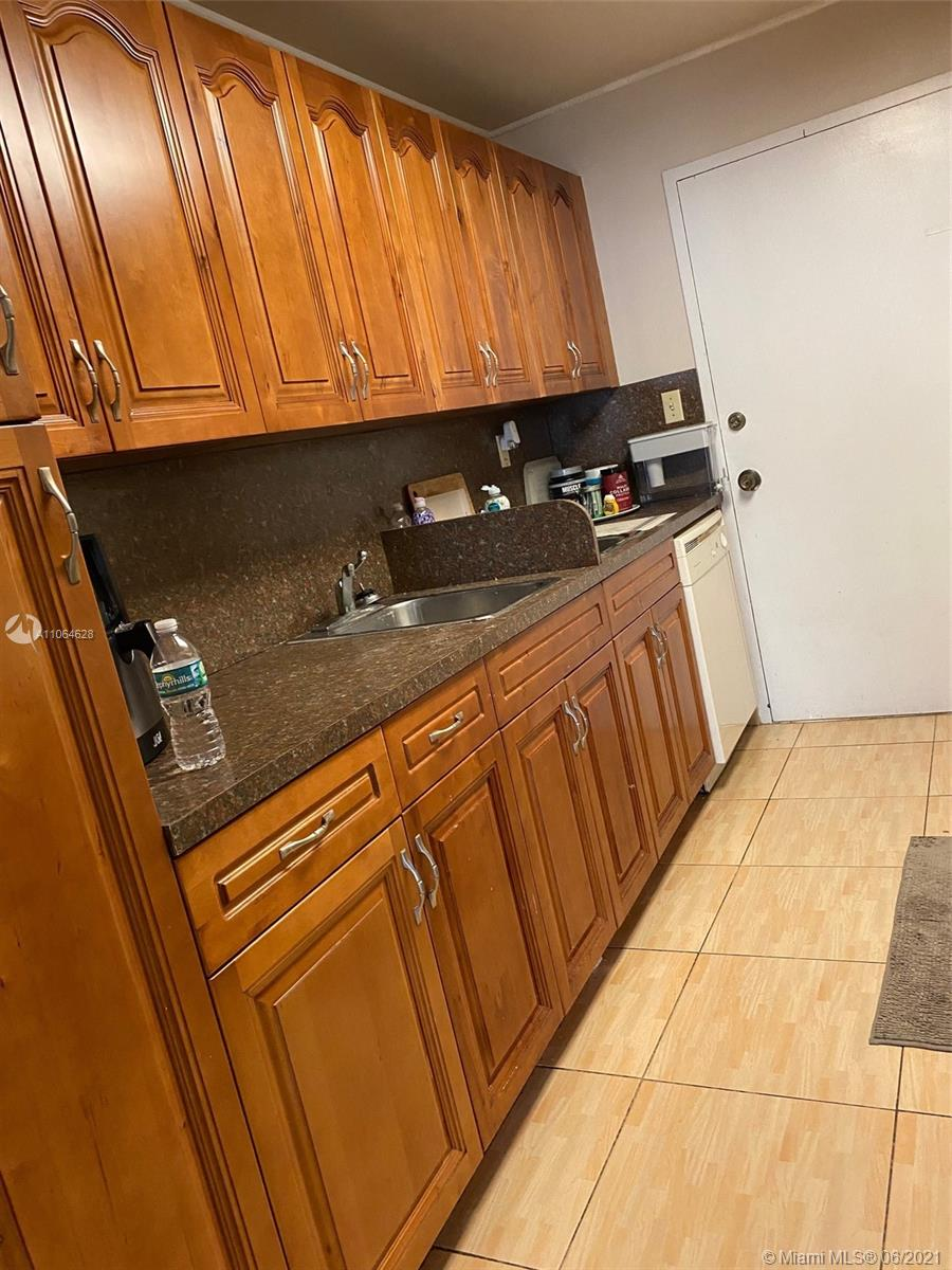 5401 Collins Ave #1014 photo019