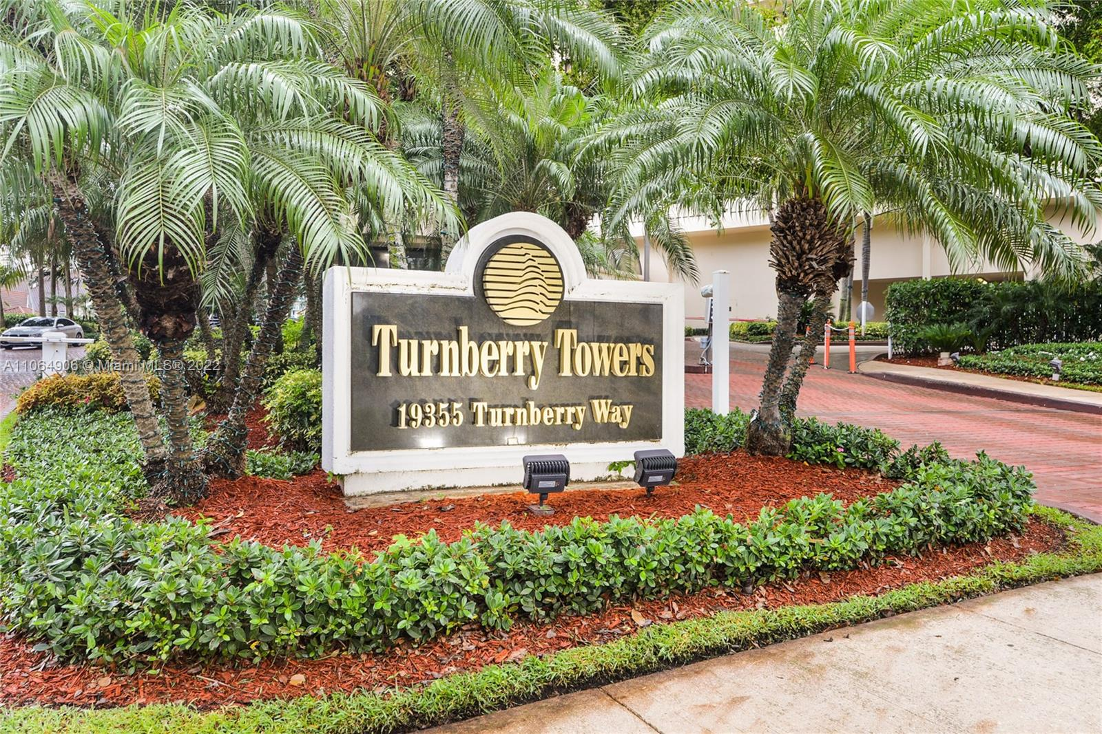 19355 Turnberry Way #19F photo02