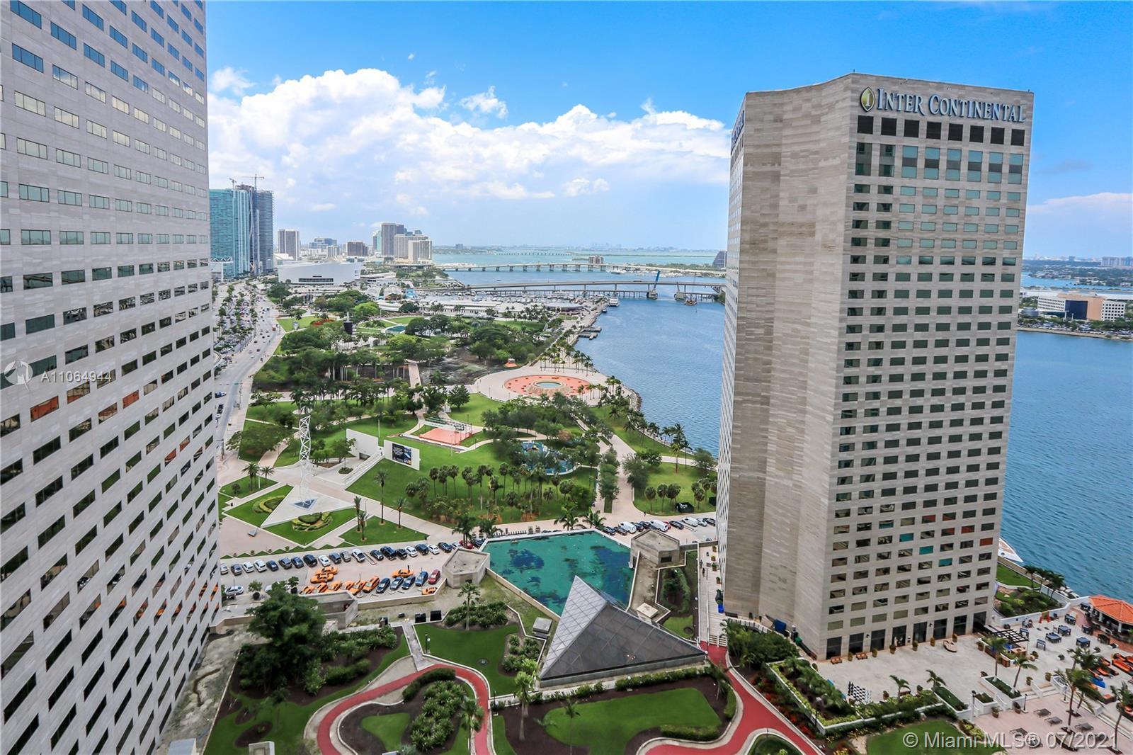 One Miami #2820 - 02 - photo