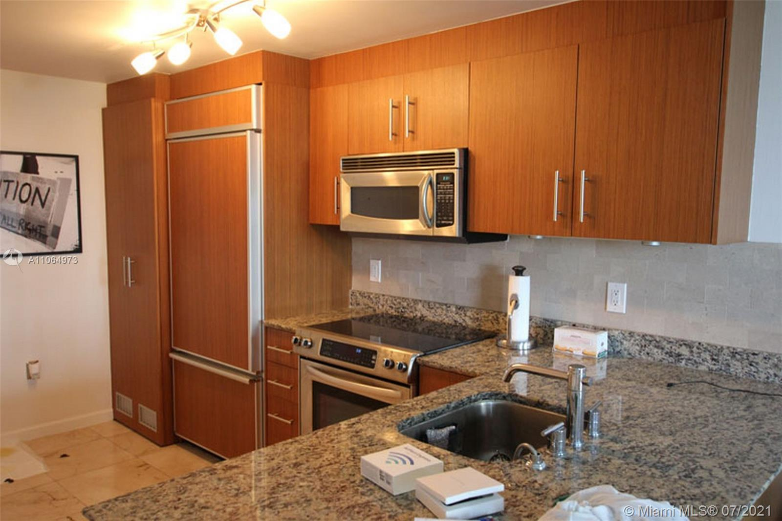 10275 Collins Ave #402 photo03