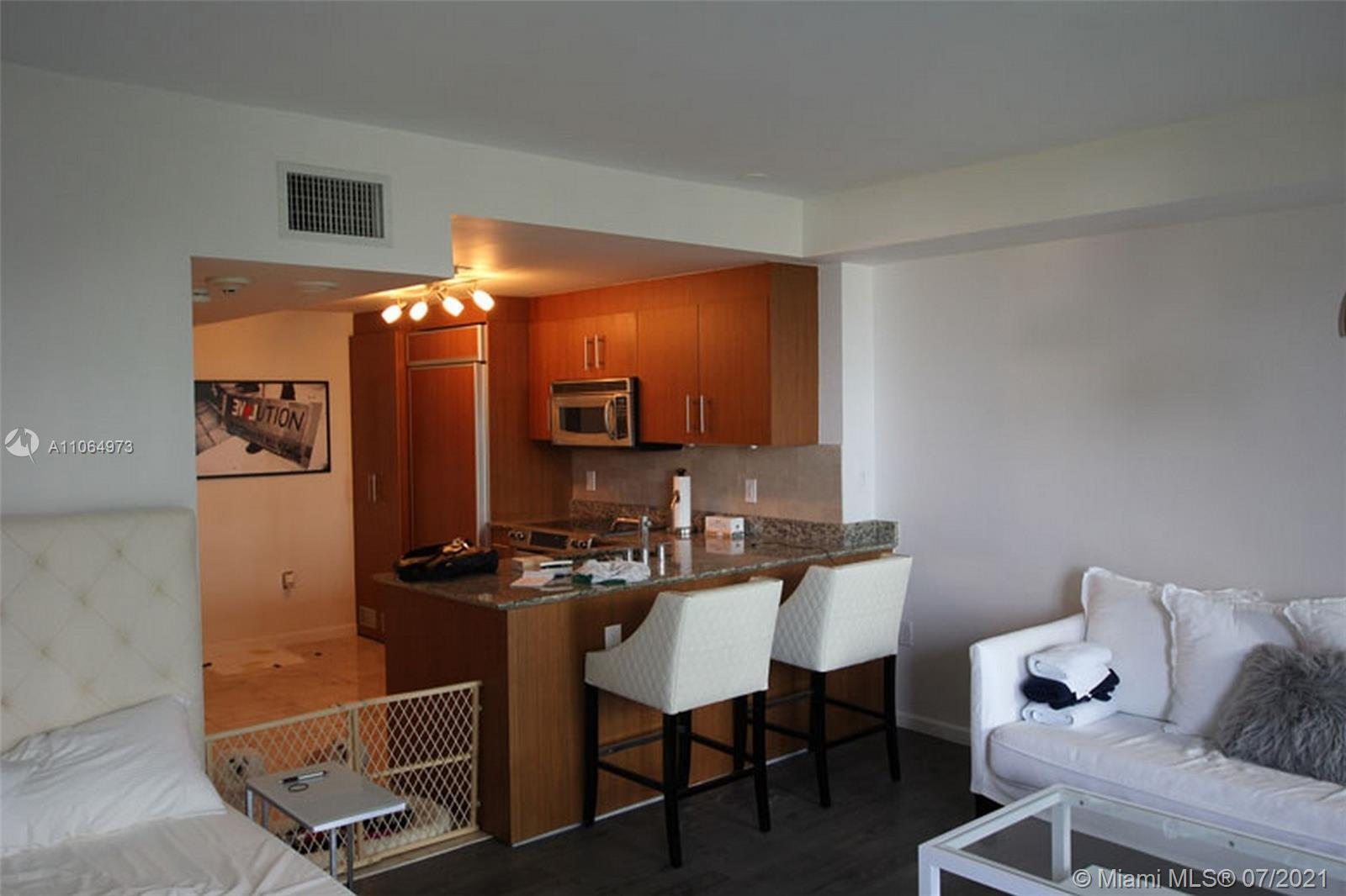 10275 Collins Ave #402 photo04