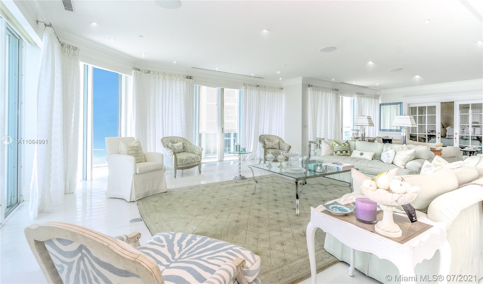 10101 Collins Ave #PENTHOUSE 1F photo07