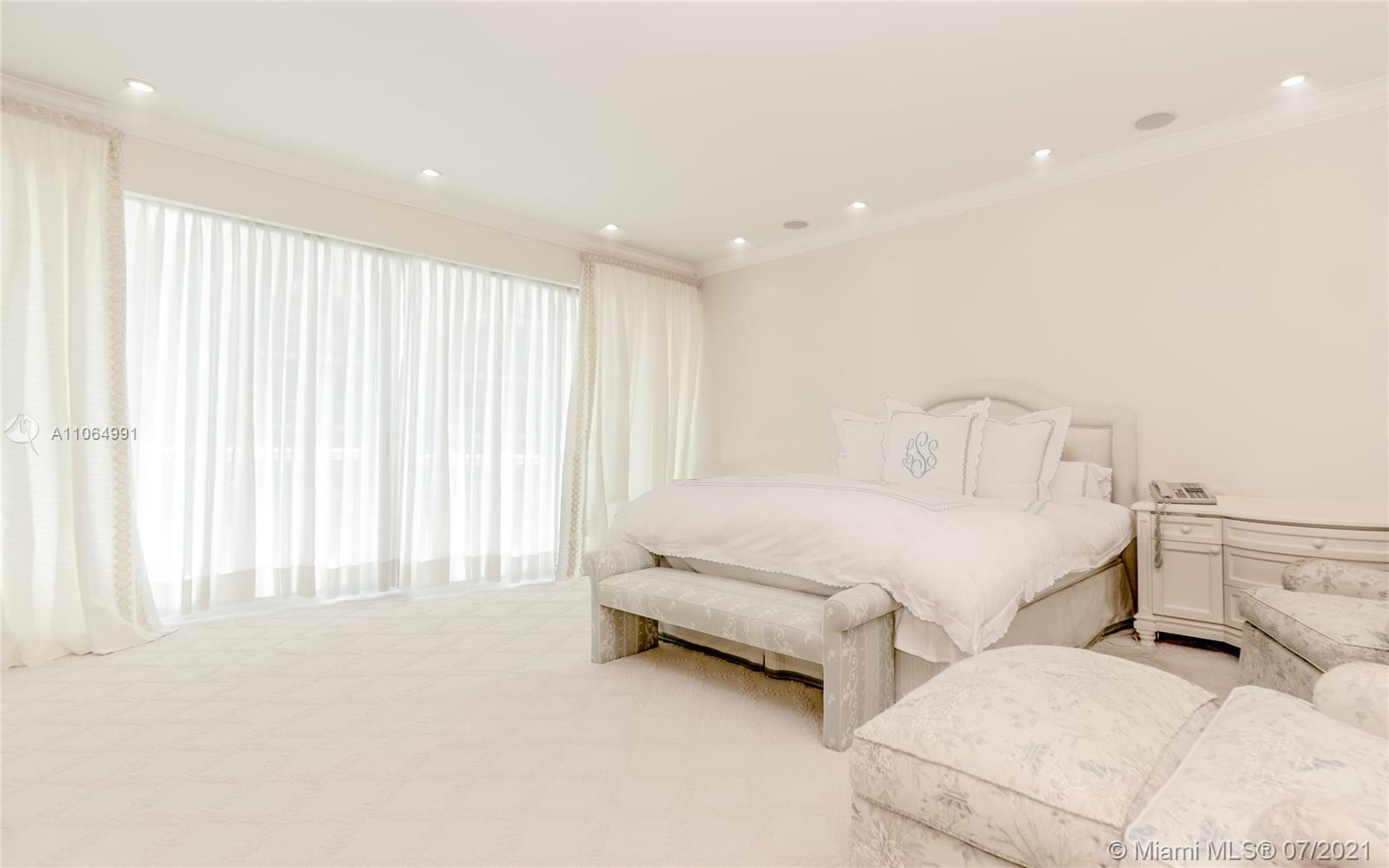 10101 Collins Ave #PENTHOUSE 1F photo020
