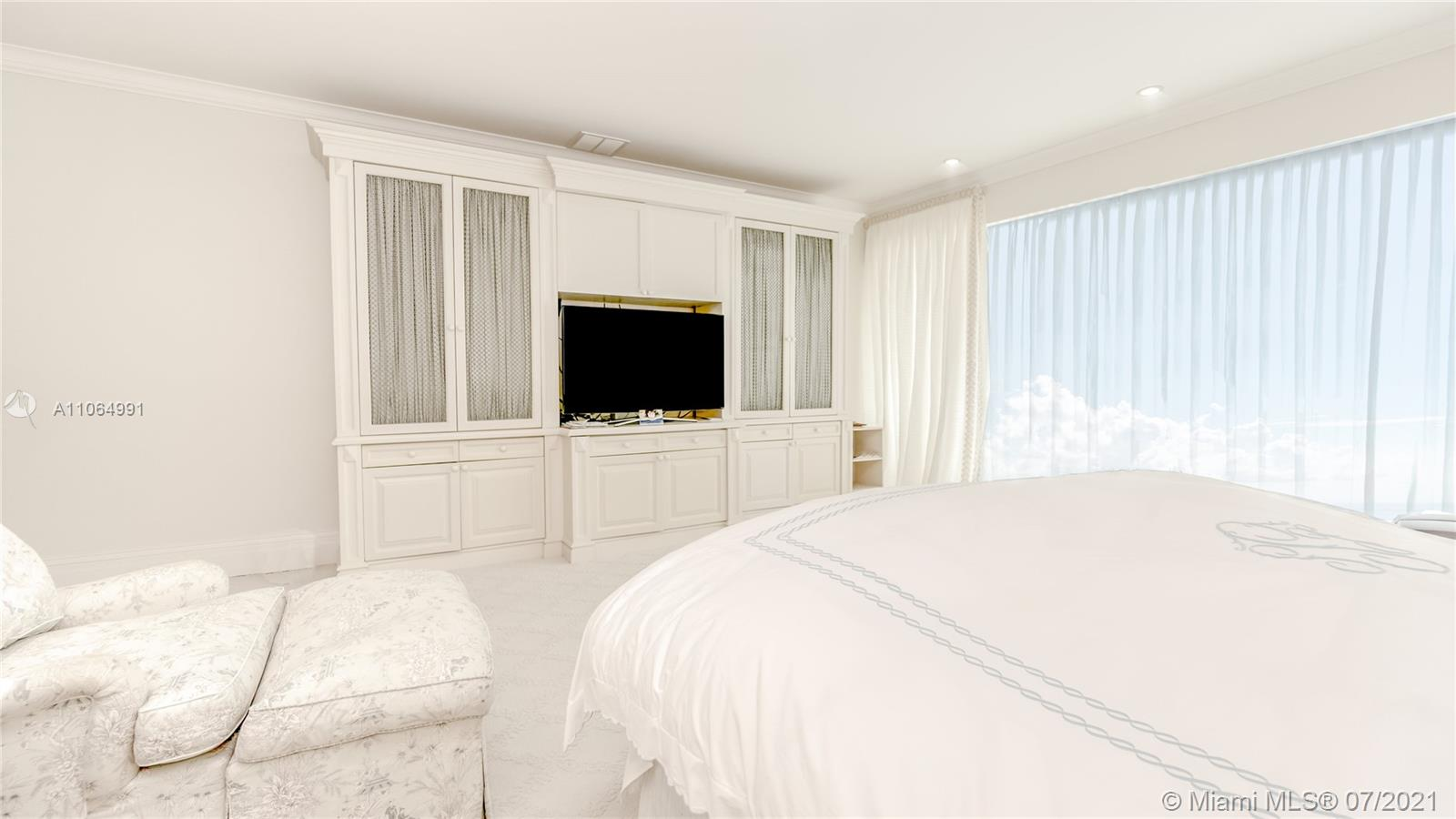 10101 Collins Ave #PENTHOUSE 1F photo021