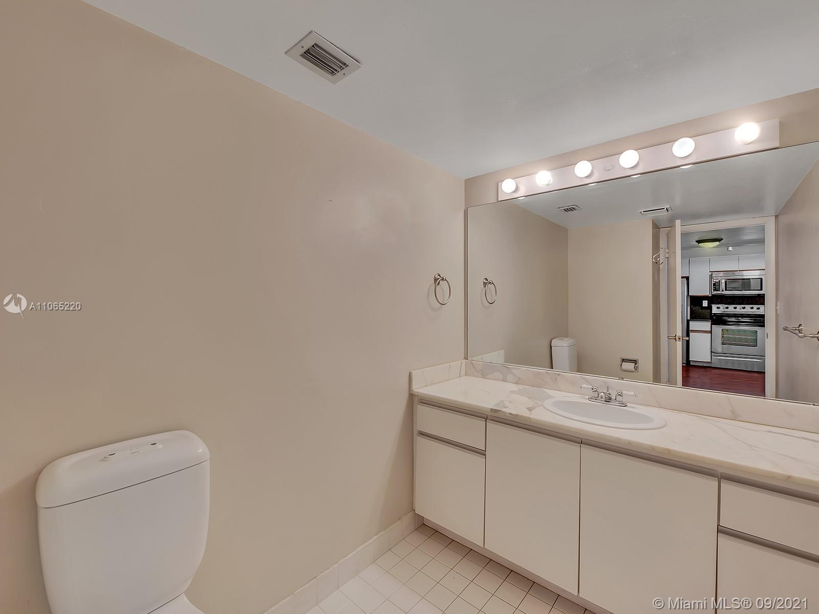 2555 Collins Ave #1604 photo015