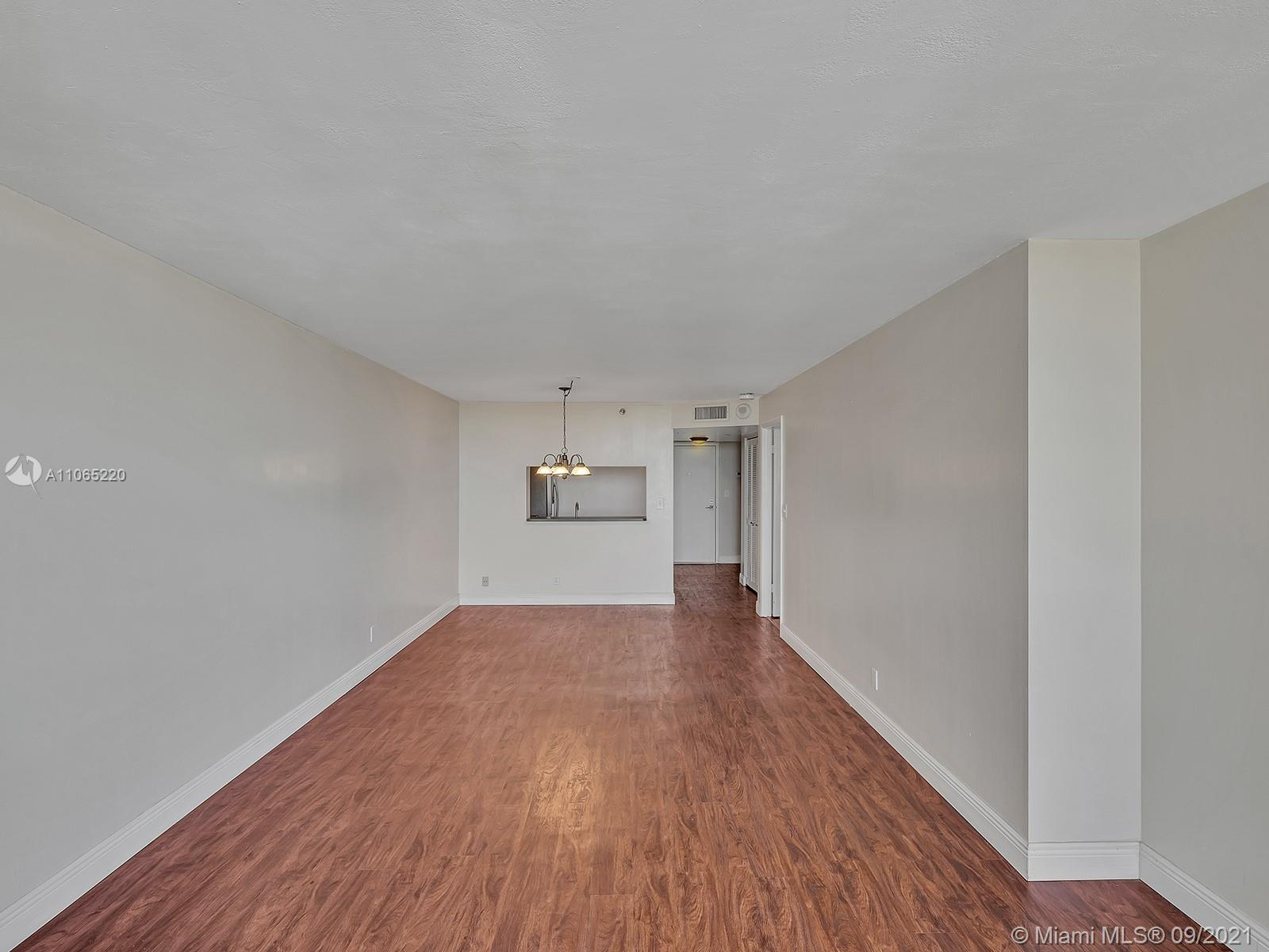 2555 Collins Ave #1604 photo039