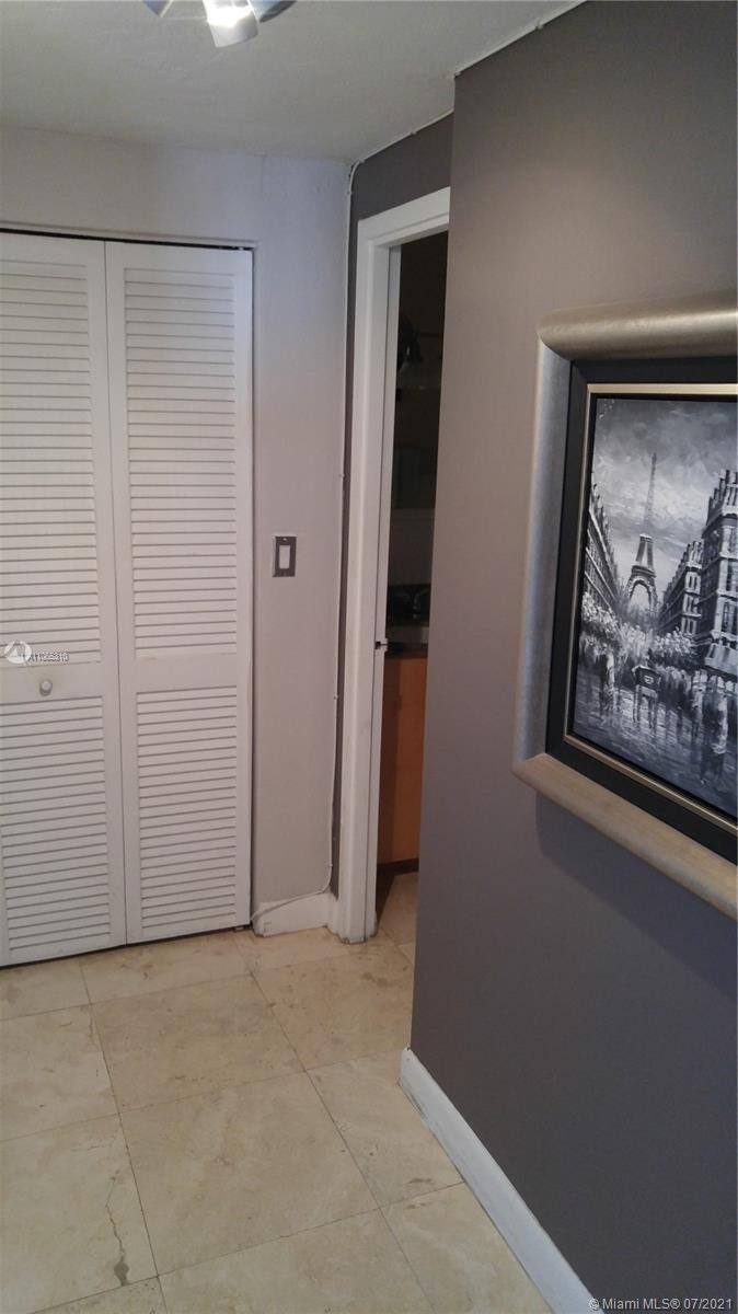 2451 Brickell Ave #19R photo09