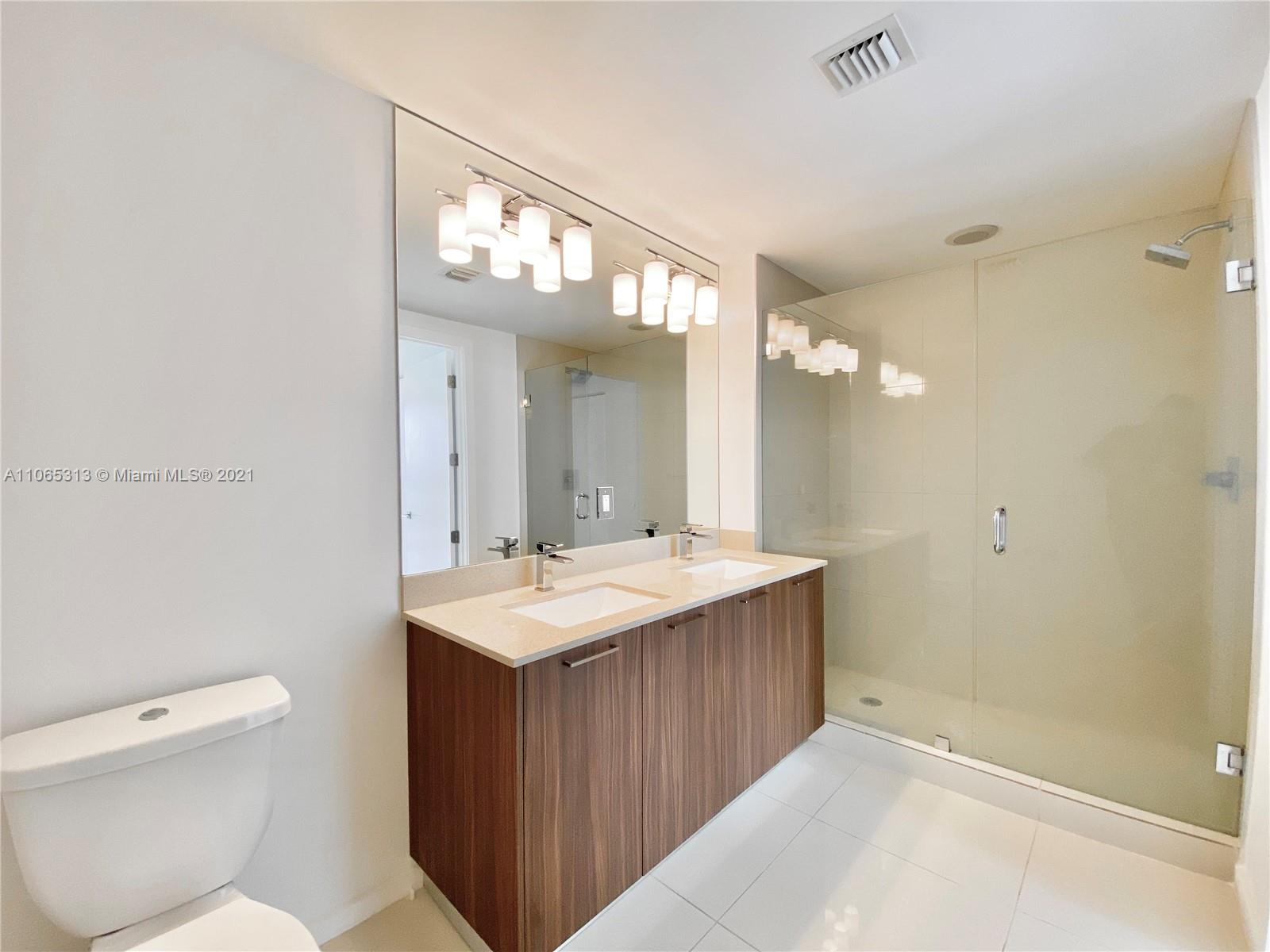 5300 NW 85th Ave #303 photo019