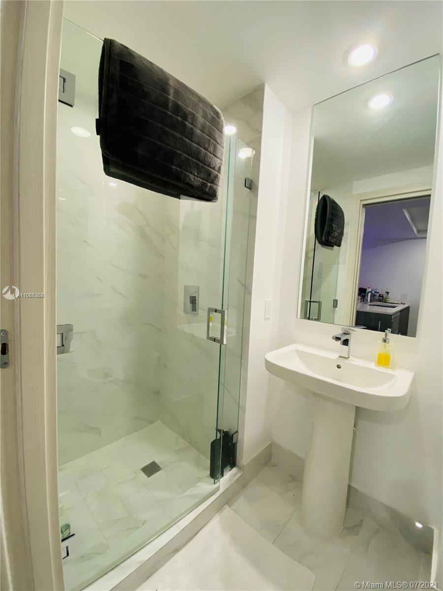 SLS Lux Brickell #3807 - 11 - photo