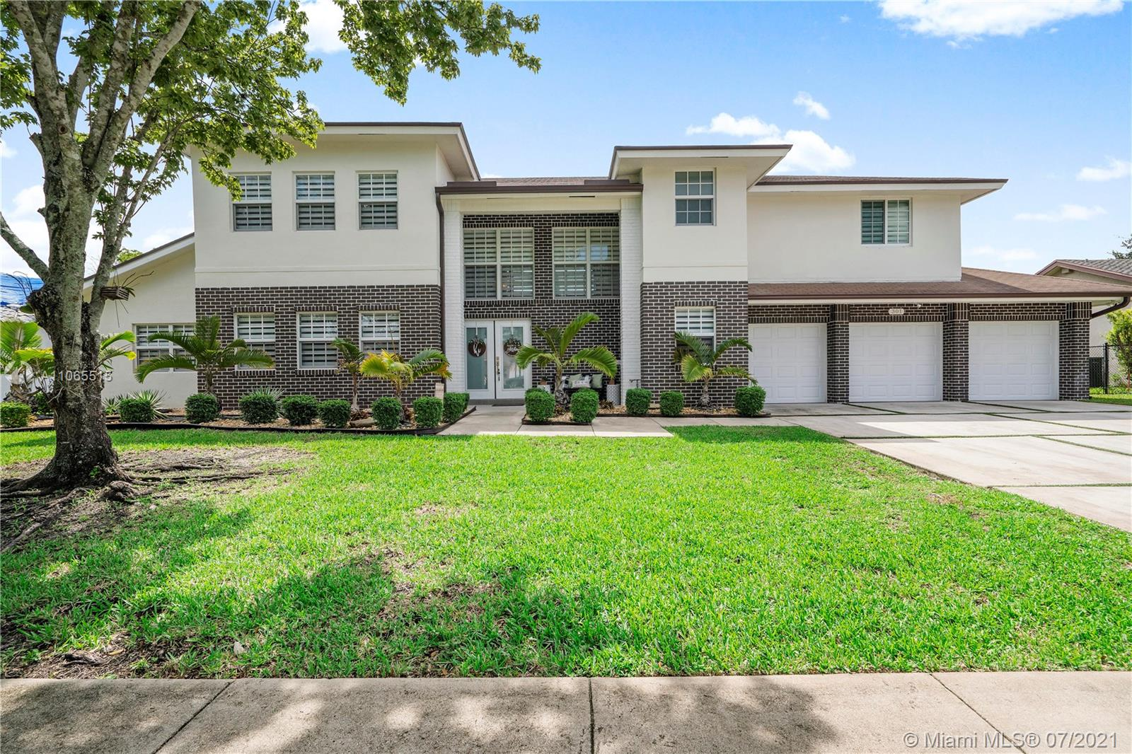 Property for sale at 301 NW 202nd Ter, Pembroke Pines,  Florida 33029