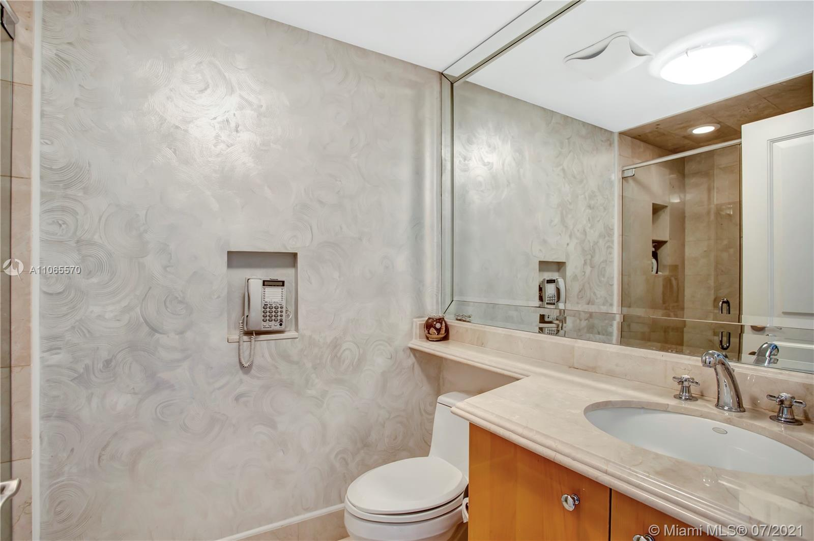 17875 Collins Ave #1805 photo012