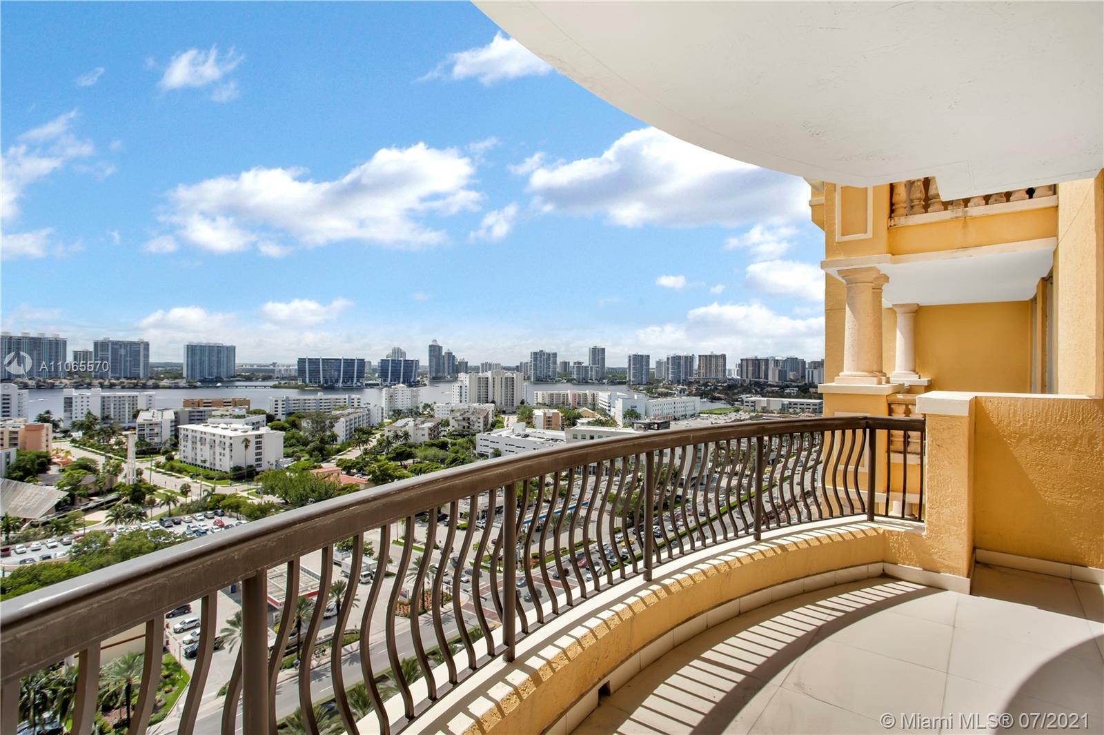 17875 Collins Ave #1805 photo015