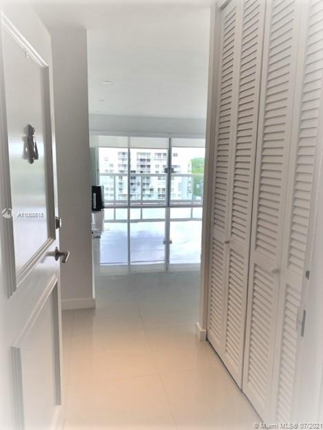 Brickell Townhouse #12A - 02 - photo