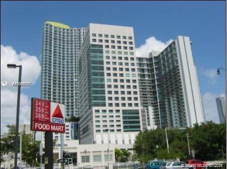 Latitude on the River #3800 - 185 SW 7th St #3800, Miami, FL 33130