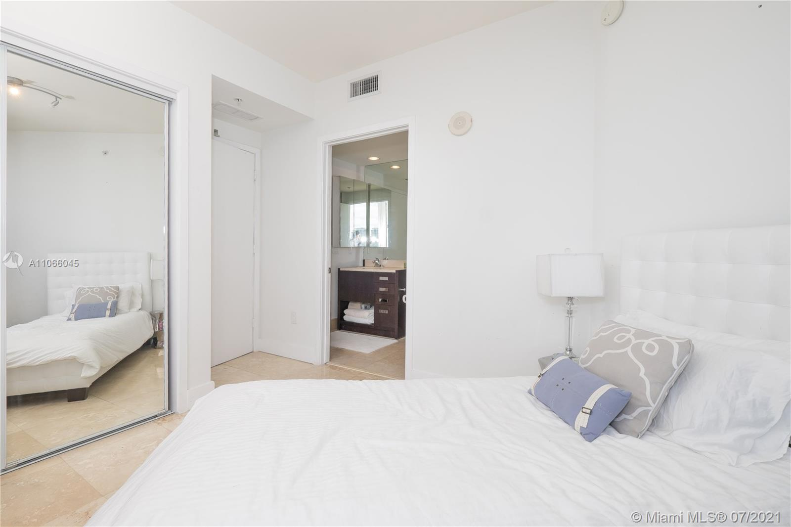 18201 Collins Ave #601A photo034