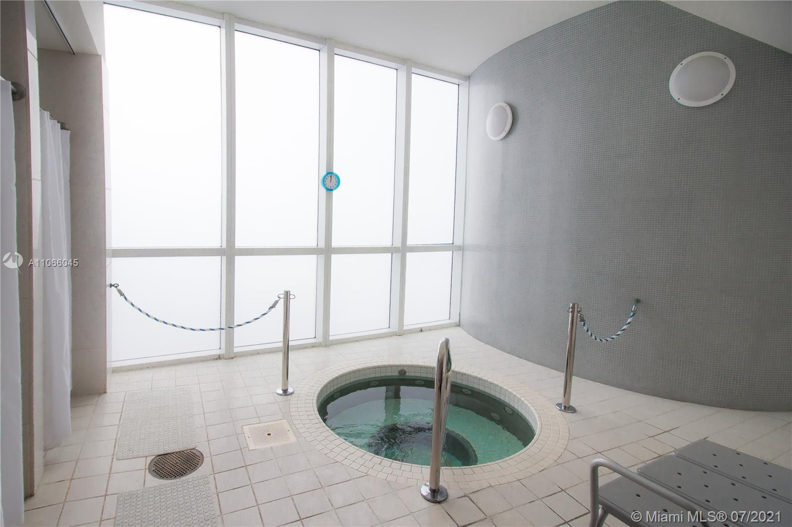 18201 Collins Ave #601A photo025