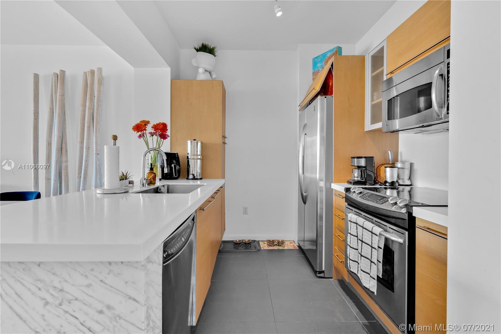 951 Brickell Ave #1602 photo06