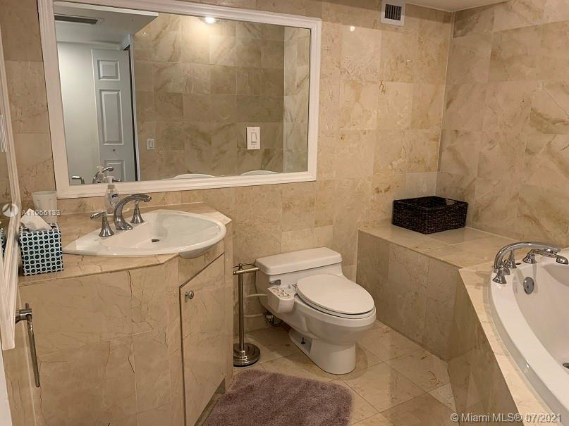 5151 Collins Ave #435 photo013