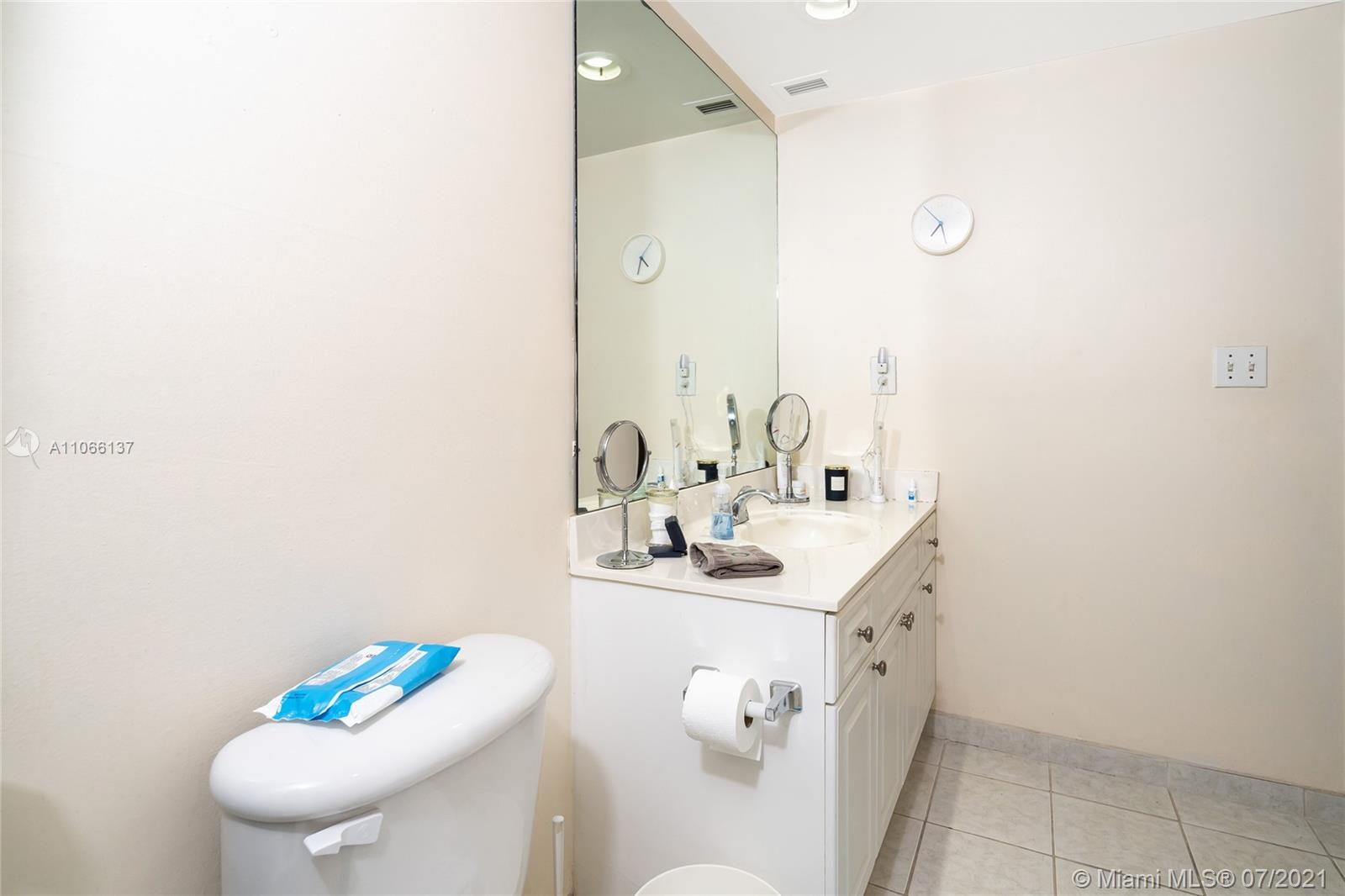 19380 Collins Ave #212 photo016