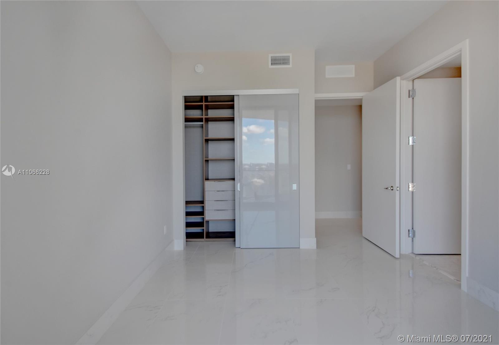 16901 Collins Ave #3102 photo024