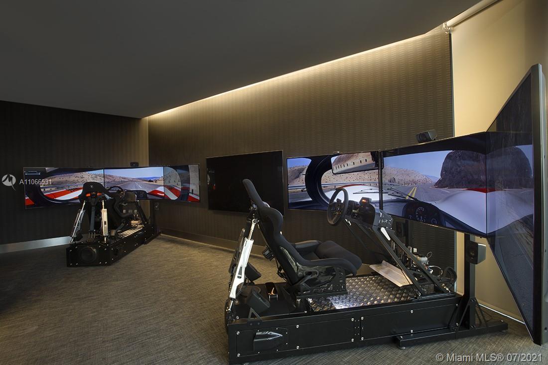 Porsche Design Tower #3601 - 73 - photo