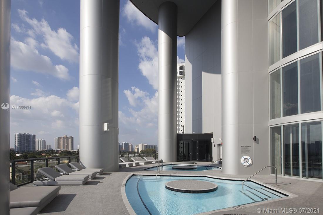 Porsche Design Tower #3601 - 79 - photo