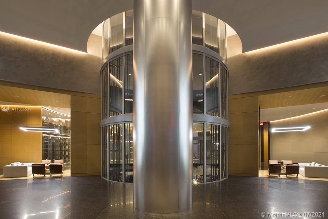 Porsche Design Tower #3601 - 44 - photo