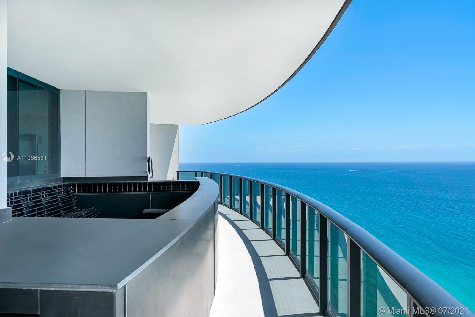 Porsche Design Tower #3601 - 04 - photo
