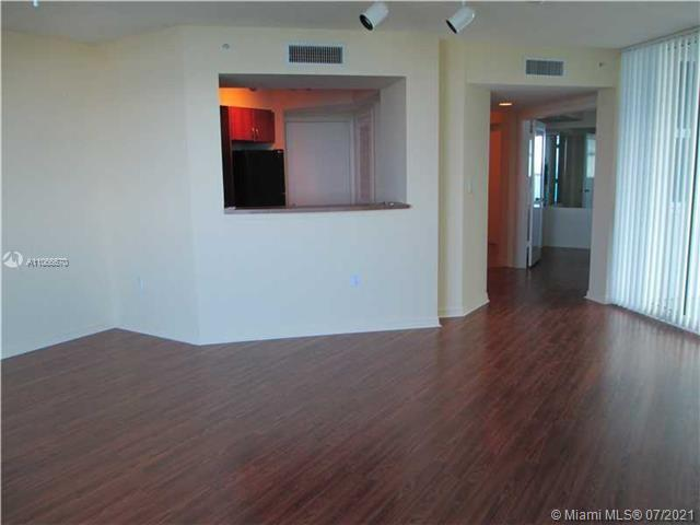 9201 Collins Ave #426 photo04