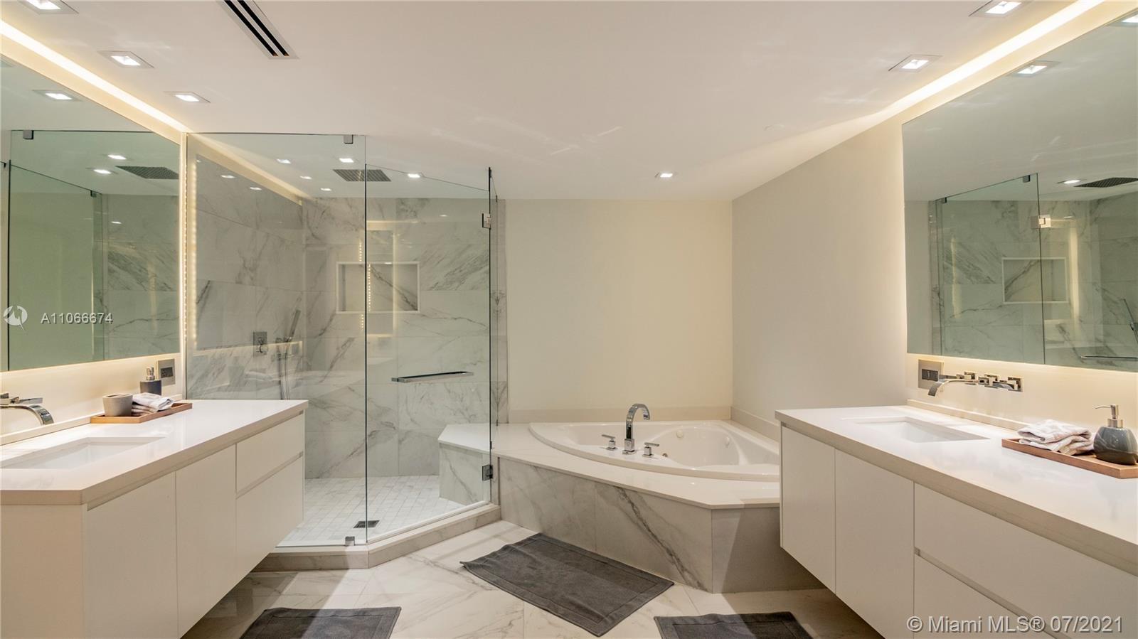 9559 Collins Ave #S2-A photo022