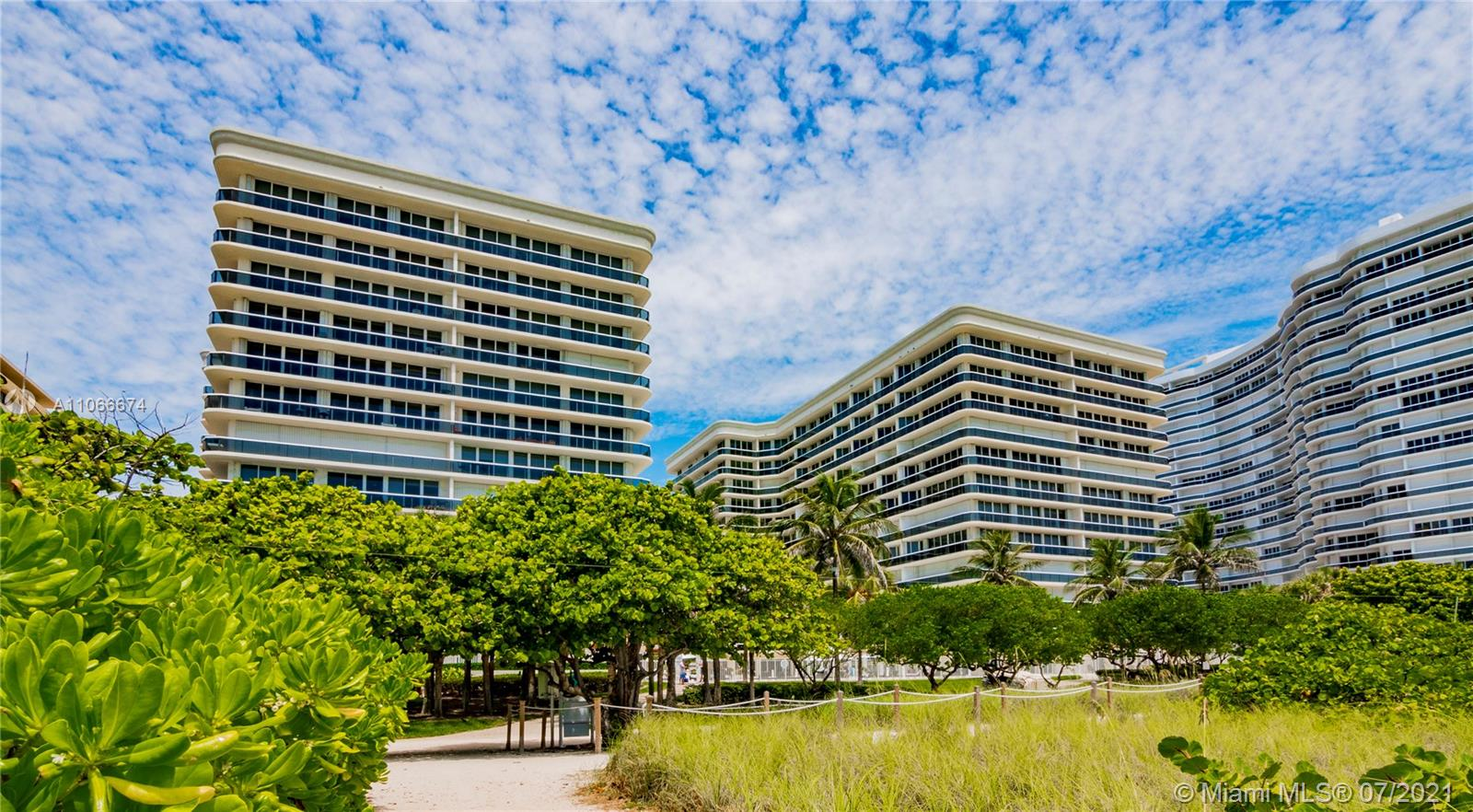 9559 Collins Ave #S2-A photo034