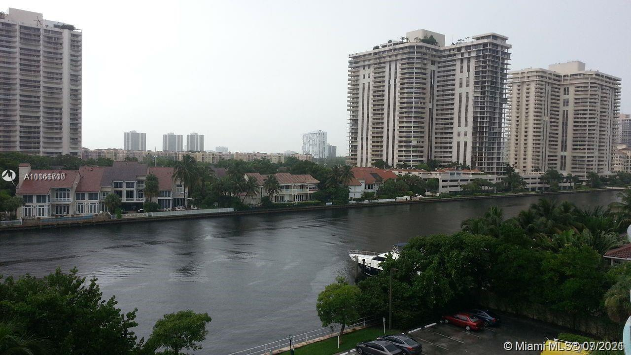 Ocean View #619 - 01 - photo
