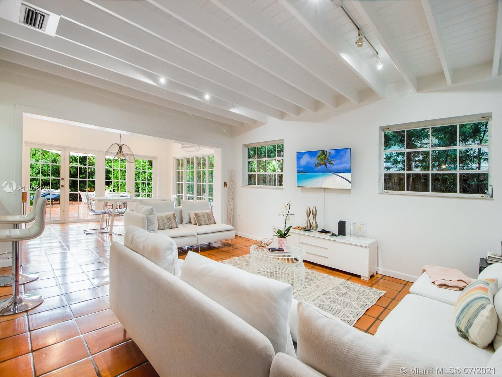 Tropical Isle Homes # - 04 - photo