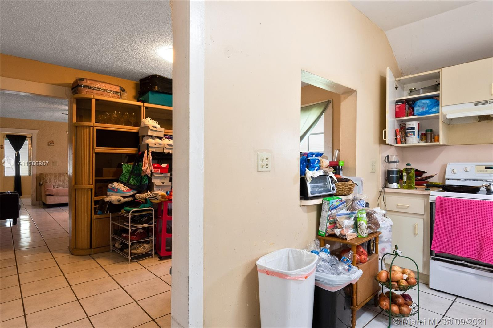 2337 NW 30th St photo021